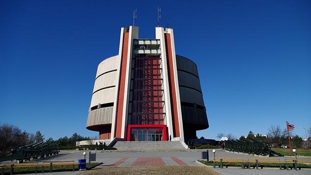 асансьори панорамни