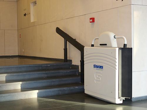 стълбищни асансьори и платформи